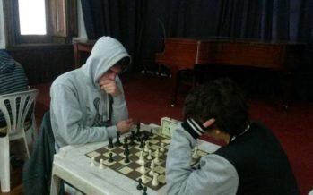 Los primeros escobarenses clasificados a Mar del Plata son ajedrecistas