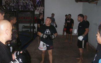 """""""Aquiles"""" Cano y un nuevo seminario de muay thai, a pura acción"""