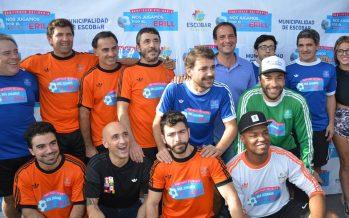 A puro gol, se jugó el partido de las estrellas a beneficio del hospital de Escobar