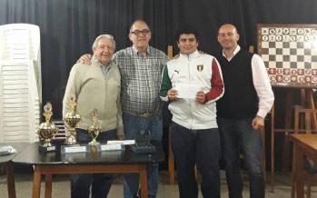 Gonzalo Saldaño ganó el Torneo Abierto de ajedrez en memoria de Sergio Argota
