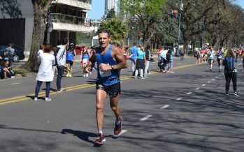 Gran carrera de Giroto en la Maratón de Buenos Aires, siendo 2° en su categoría