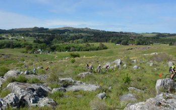 Masiva presencia de ciclistas escobarenses en el Rally de las Sierras de Tandil