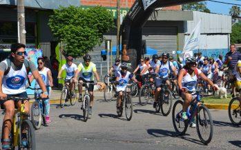 Hubo ciclismo y canotaje en la Fiesta Nacional del Isleño, en el río Paraná