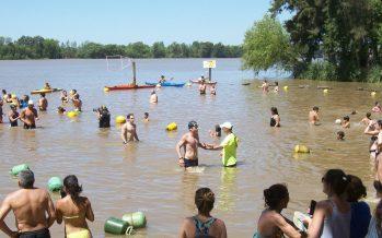 Ferrari y Nieves fueron los ganadores de los 7k de aguas abiertas en el río Paraná