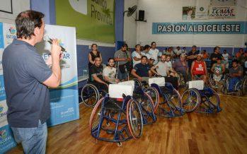 Nuevas sillas de ruedas para el equipo municipal de básquetbol adaptado