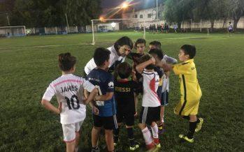 En su clínica, Ayala charló y le dejó enseñanzas a los chicos de Sportivo