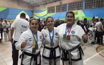 Dos chicas de Escobar también ganaron medallas en el Torneo Anual AGGT