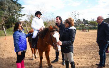 Sujarchuk supervisó el programa municipal de equinoterapia, para chicos especiales