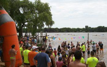 Casi 400 personas corrieron la maratón acuática de 7k y 4k en el río Paraná