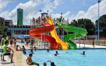 Ya funciona el parque acuático municipal en el polideportivo de Escobar