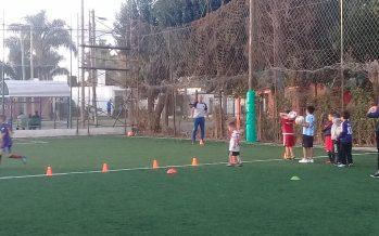 Nueva escuela de fútbol mixta, con trabajos específicos puesto por puesto