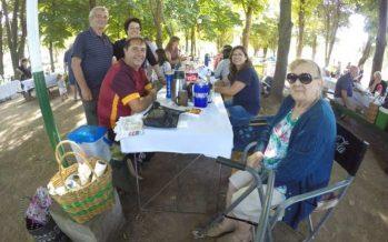 Gran asado y baile familiar para despedir la temporada de pileta en Loma Verde